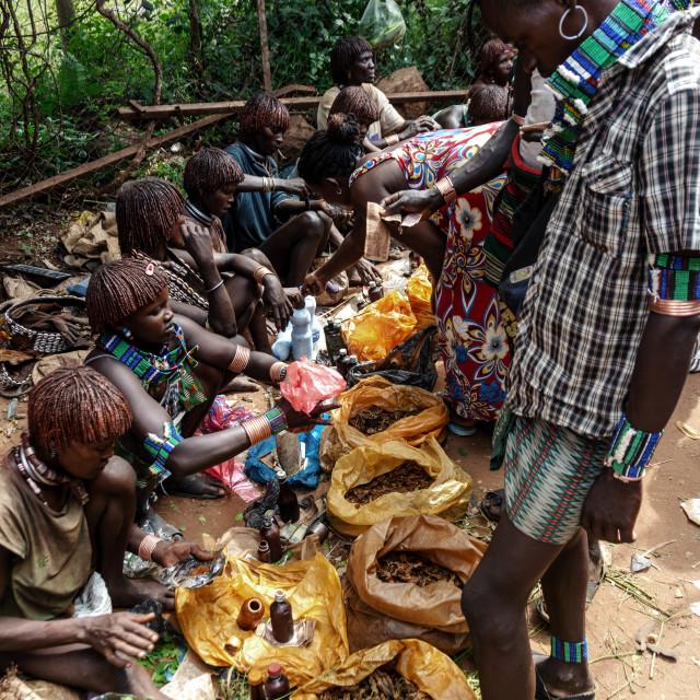 """hamer tribe market near Turmi"" stock image"