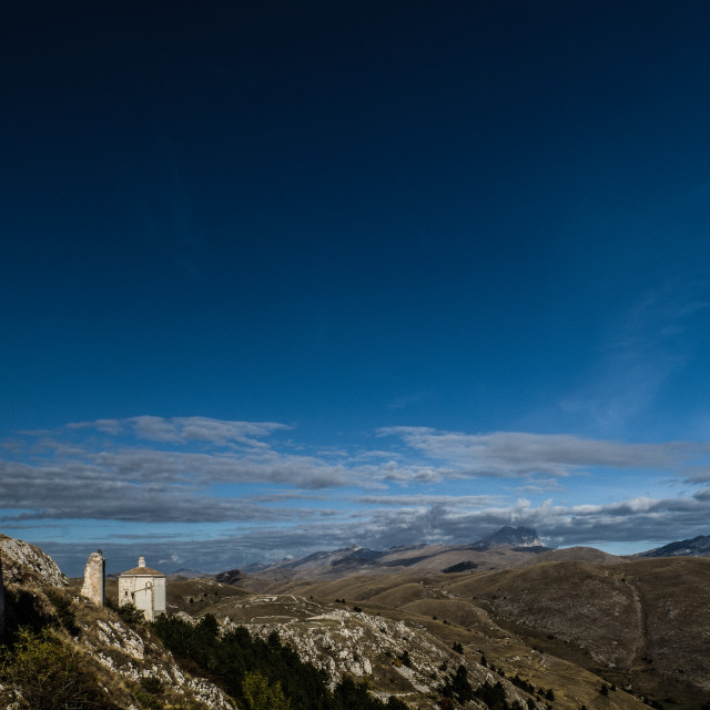 """""""Rocca Calascio is a mountaintop fortress or rocca in the Provinc"""" stock image"""