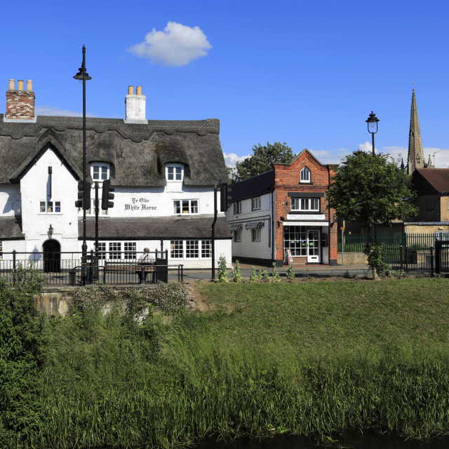 """""""Summer, the Olde White Horse pub, Spalding town; Lincolnshire County;..."""" stock image"""