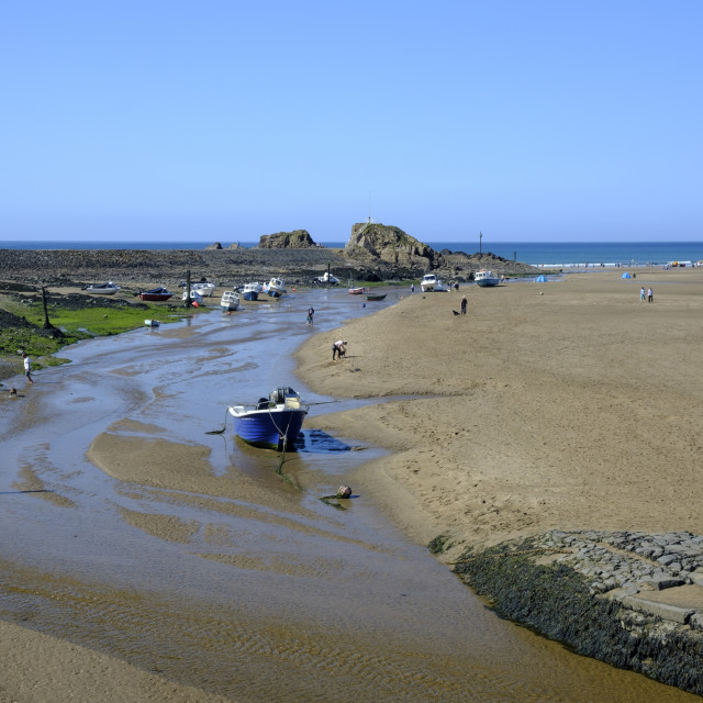 """""""View of the beach in Bude with Bude Canal coming to an end at the Sea Lock Bude Cornwall England"""" stock image"""