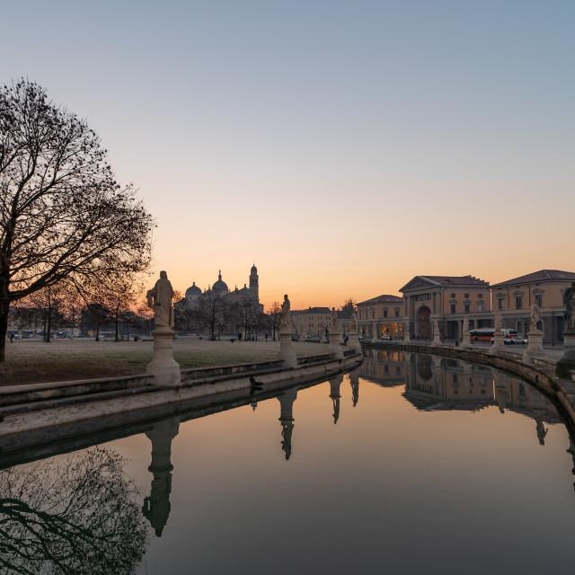 """""""Prato della Valle, square in the city of Padua with the Memmia i"""" stock image"""