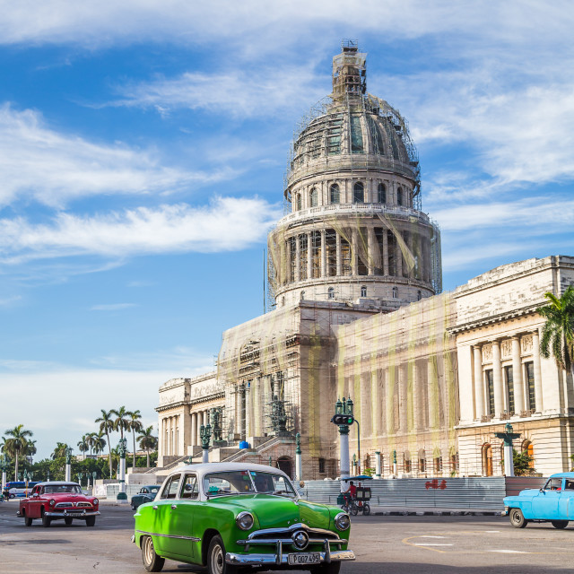 """""""Green old timer passes the Capitol Building"""" stock image"""