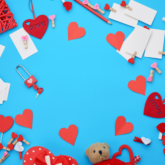 """""""cardboard box in the form of a heart, small teddy bear, white bl"""" stock image"""
