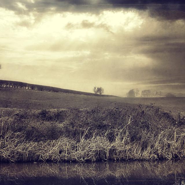 """Farmhouse In The Mist - Milton Lilbourne, Wiltshire"" stock image"