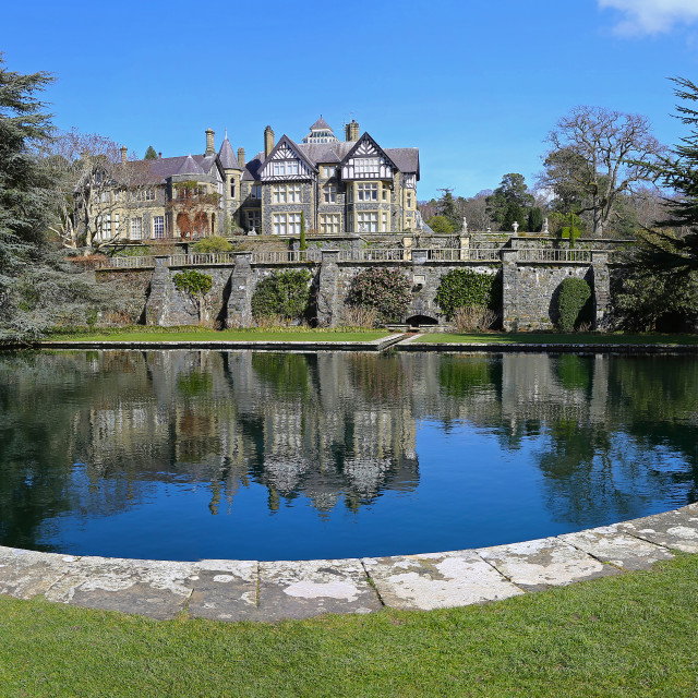 """""""Bodnant Hall overlooking the Lily Terrace, Bodnant Gardens, Tal-"""" stock image"""