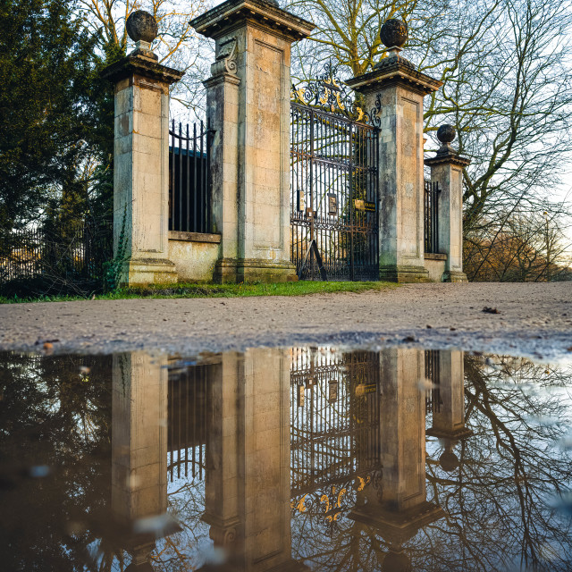 """""""Clare College Gate, Reflections."""" stock image"""