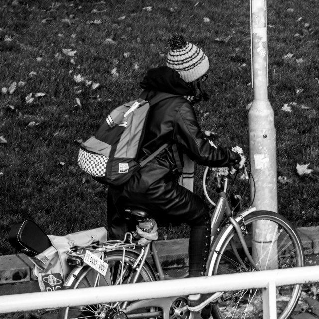"""""""Cycle along the clydeside"""" stock image"""