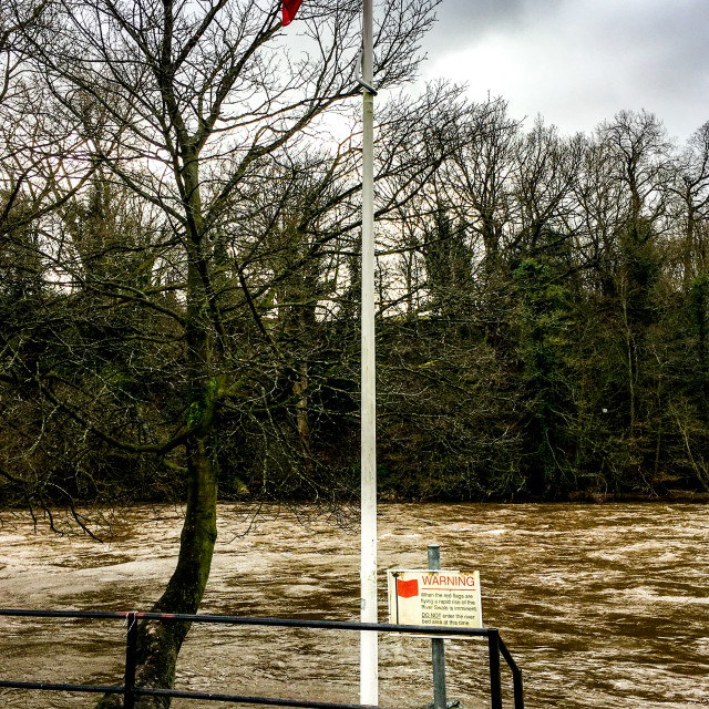 """""""Richmond, River Swale, Flood Warning, Red Flag"""" stock image"""