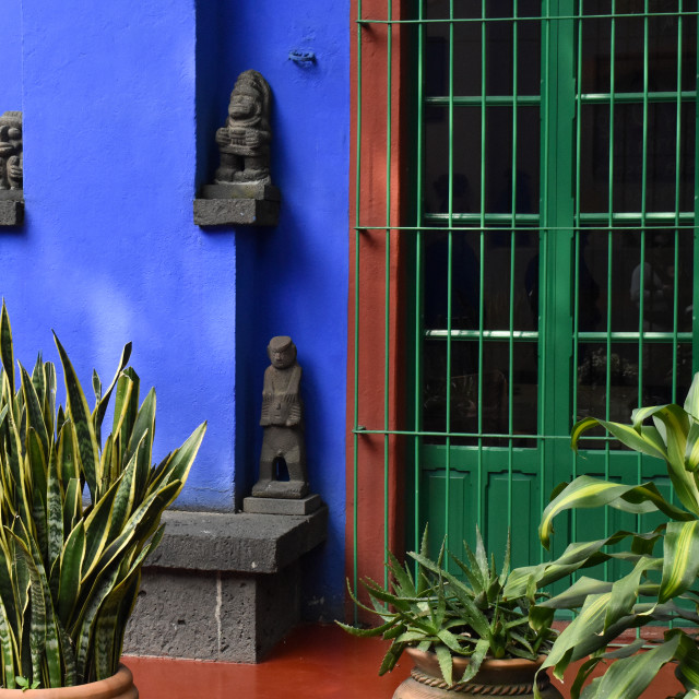 """""""Mayan sculptures on Frida Kahlo's house"""" stock image"""