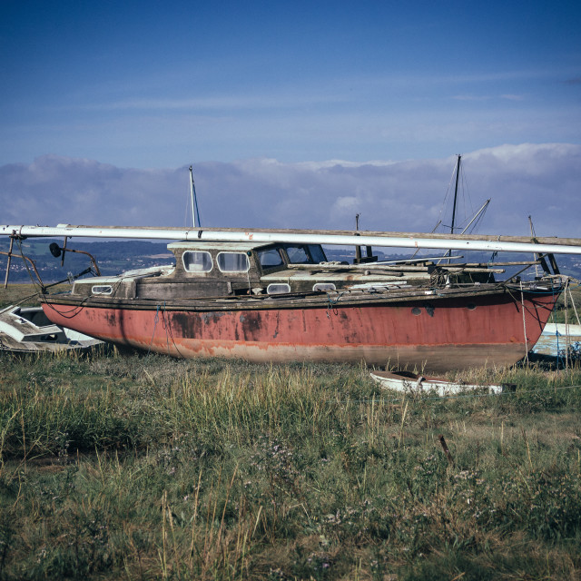 """""""Yacht aground on the Dee"""" stock image"""