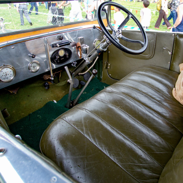 """""""Green Morris Oxford Bull Nose Coupe on display at Otley 2012 Vintage Transport Extravaganza"""" stock image"""