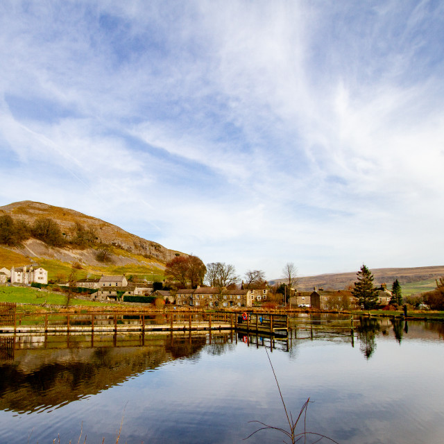 """Kilnsey Park Fly Fishing Lake, Kilnsey, Upper Wharfedale. Looking towards Kilnsey Crag."" stock image"