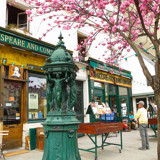 """Shakespeare and Company bookshop in Paris"" stock image"