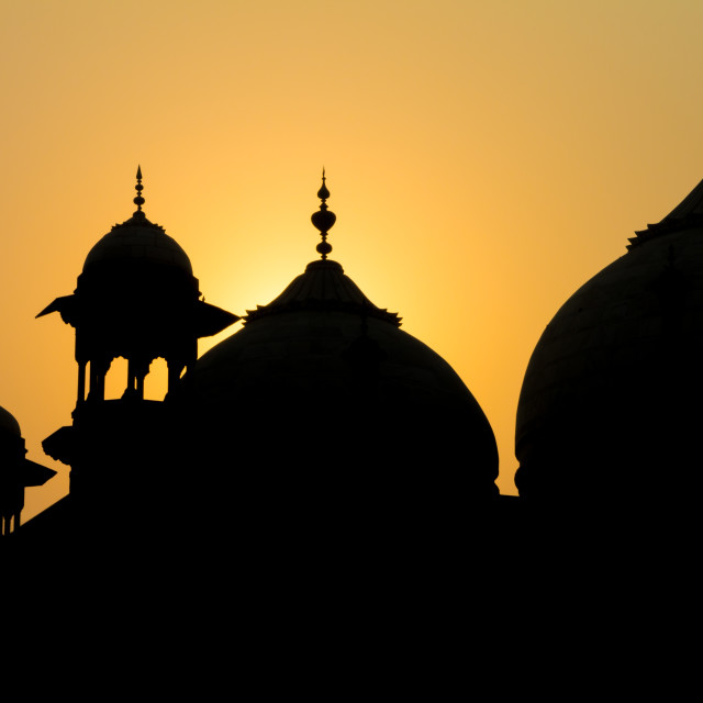 """Sunrise at Taj Mahal: jawāb - the answer"" stock image"