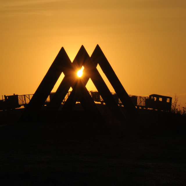 """""""60 Degrees sculpture by Kevin O'Dwyer. Skytrain by Michael Bulfin at sunset."""" stock image"""