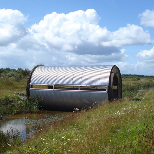 """Tippler Bridge , sculpture installation by Kevin O'Dwyer"" stock image"