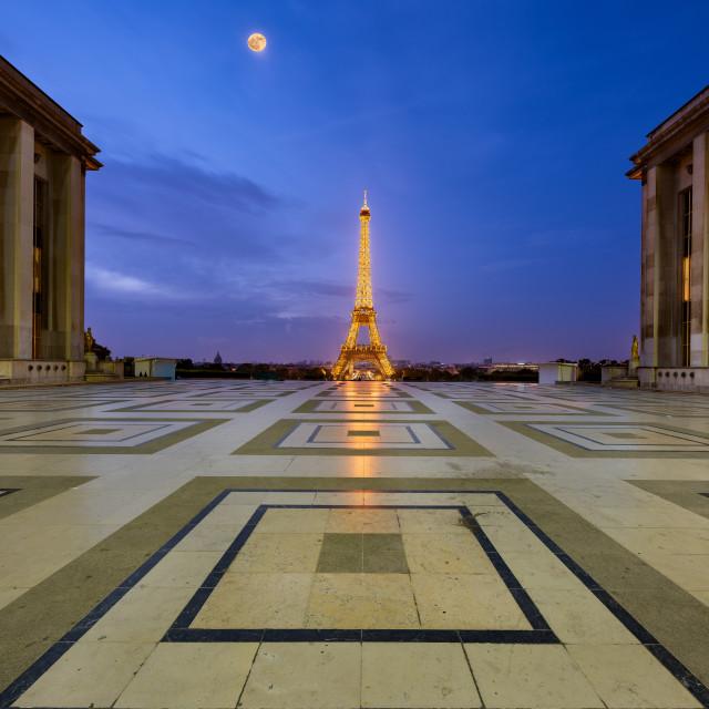 """Trocadero square at sunrise under the moonlight, Paris, France"" stock image"