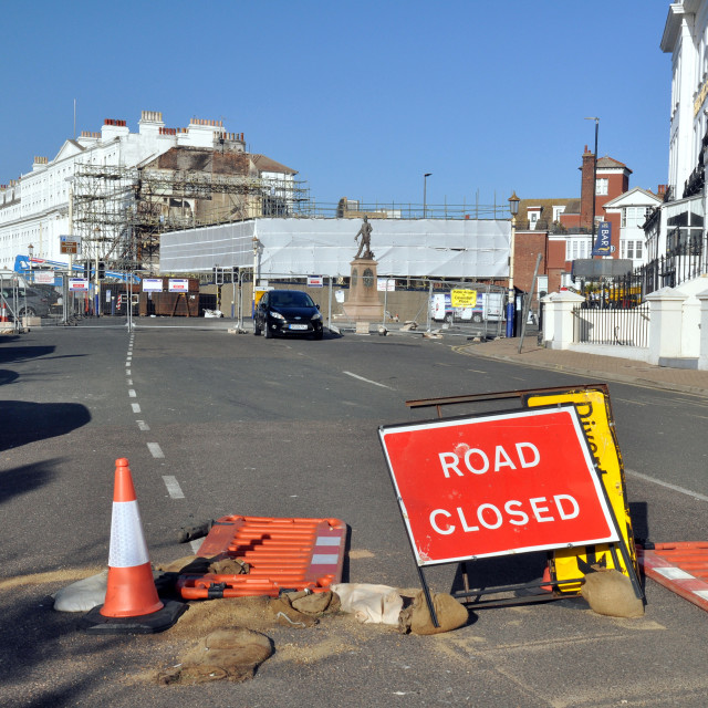 """""""Road closed sign, Eastbourne seafront"""" stock image"""