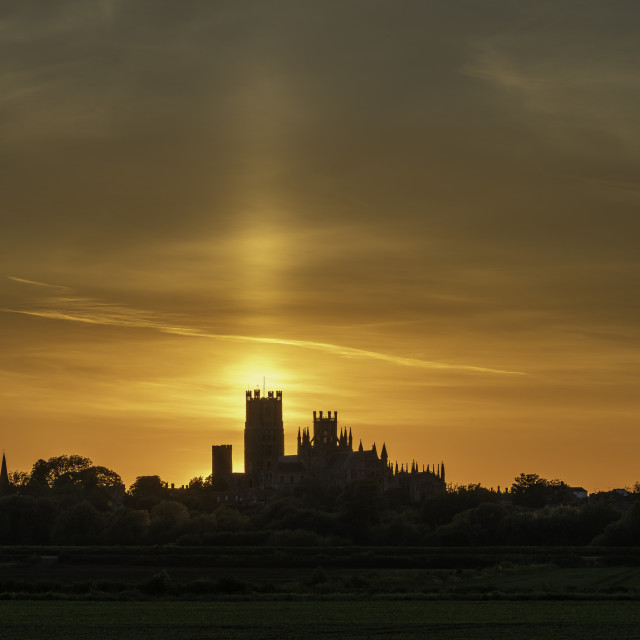 """""""Sun pillar behind Ely Cathedral, evening, 20th May 2020"""" stock image"""