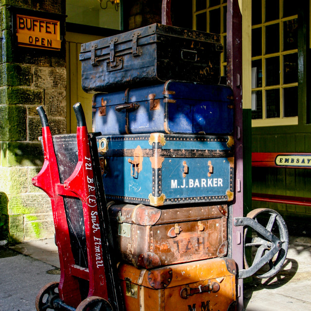 """""""Embsay and Bolton Abbey Steam Railway. Porters Baggage Trolley and Old Suitcases."""" stock image"""