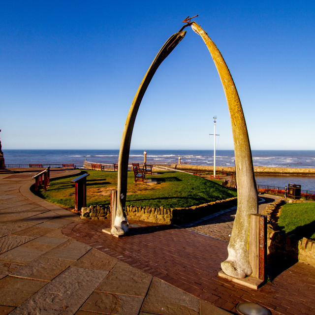 """""""Whitby,UK,Yorkshire,East coast, Monuments, Captain Cook Statue and the Whalebone Arch."""" stock image"""