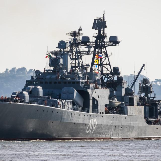 """""""Russian destroyer Severomorsk arriving in Lisbon, Portugal"""" stock image"""