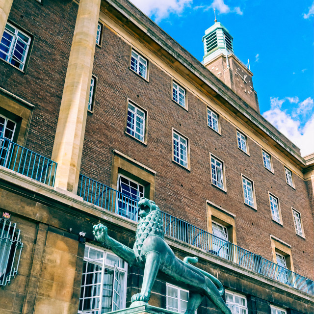 """Norwich City Hall with heraldic lion in foreground"" stock image"