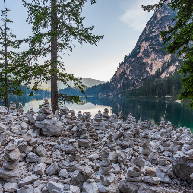 """""""Cairns of stones at the foot of the Seekofel in front of the lak"""" stock image"""
