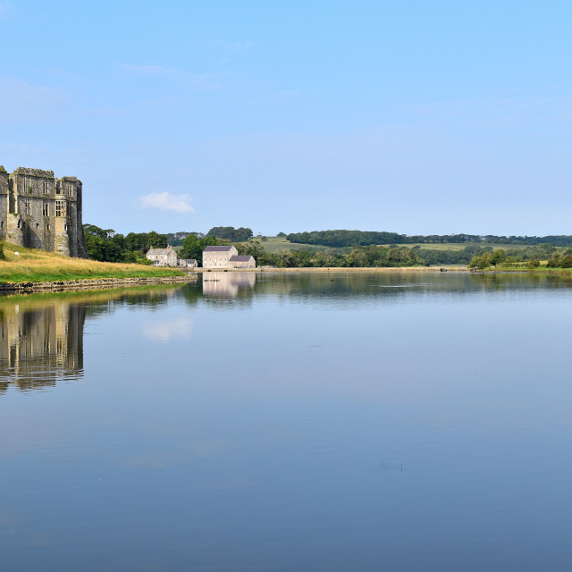 """""""Carew Castle and Millpond"""" stock image"""
