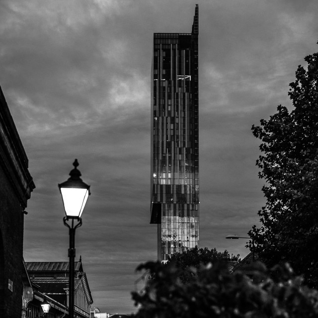 """MANCHESTER - ORIGINAL / MODERN - MUSEUM OF SCIENCE & INDUSTRY (MOSI) & BEETHAM TOWER WITH GAS LAMP"" stock image"