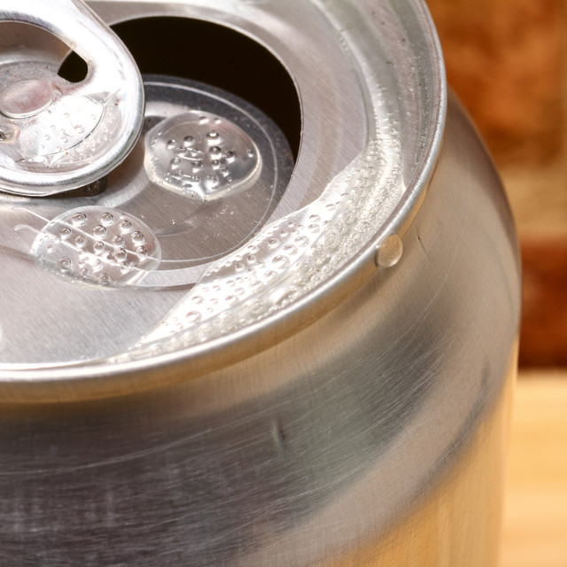 """""""Close up view of an open aluminum fizzy drinks can"""" stock image"""