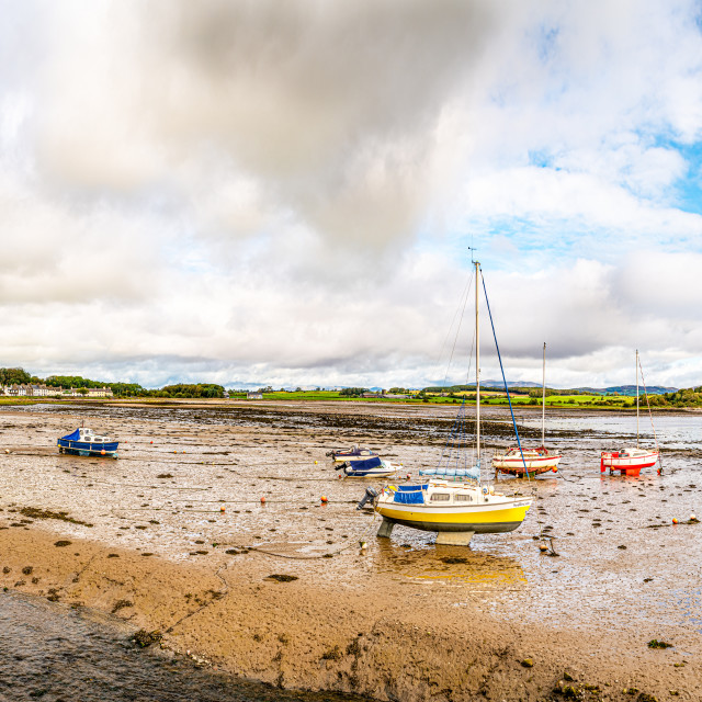 """""""Panorama of the town and beached boats in the harbour at low tide, Garlieston, Dumfries & Galloway, Scotland"""" stock image"""