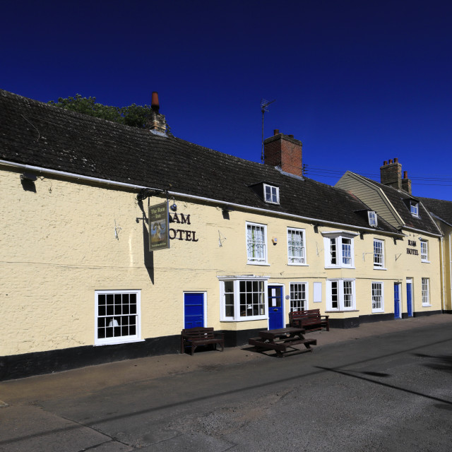 """""""Summer view of the Ram Hotel, Brandon town centre, Norfolk, England"""" stock image"""
