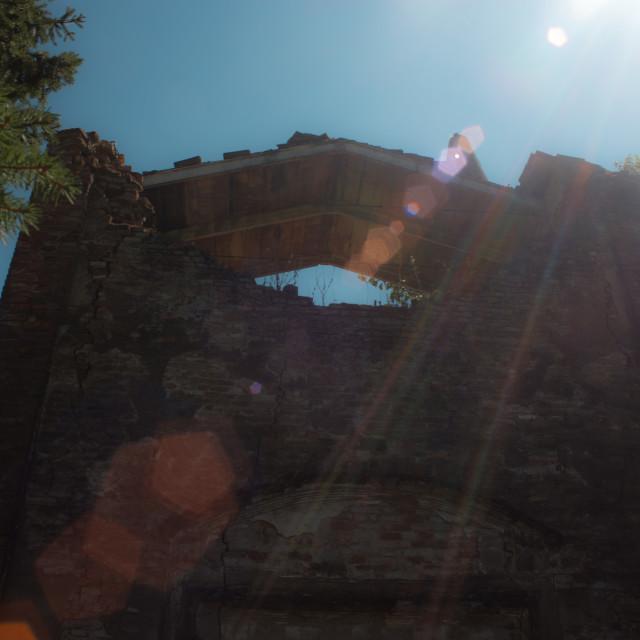 """""""Piccolo sotto le rovine, 1"""" stock image"""