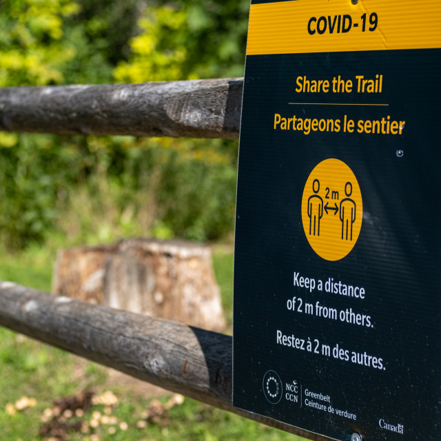 """""""NCC Share the Trail sign in Ottawa during COVID-19"""" stock image"""