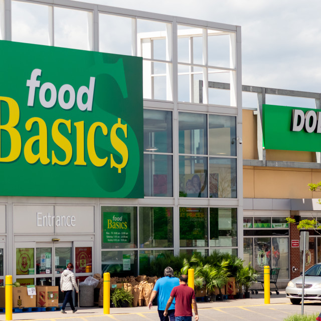 """""""Food Basics Grocery Store Entrance in Ottawa"""" stock image"""