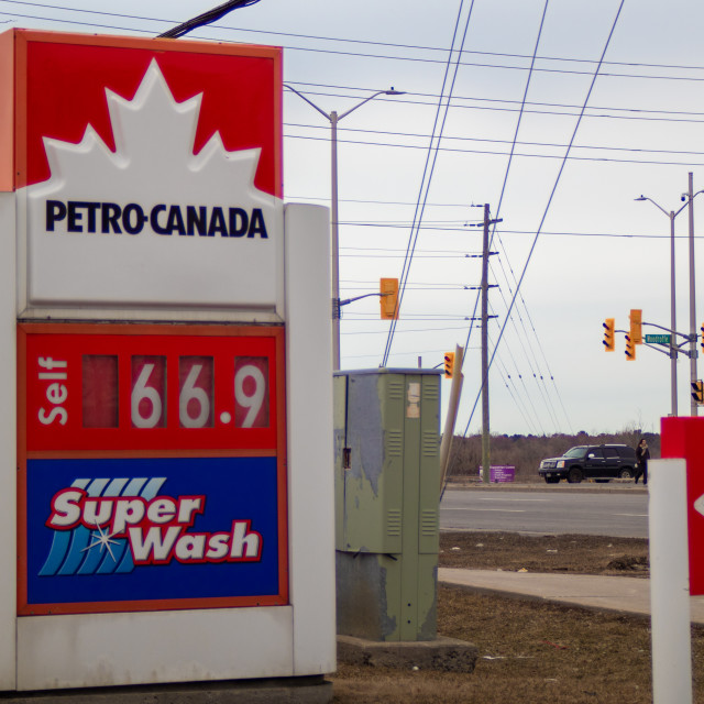 """""""Low gas price at Petro-Canada amid COVID-19 crisis"""" stock image"""