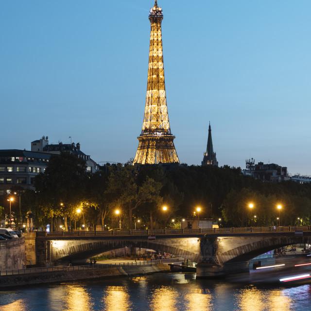 """""""Eiffel Tower River Seine at twilight, Paris, Île-de-France, France, Europe"""" stock image"""