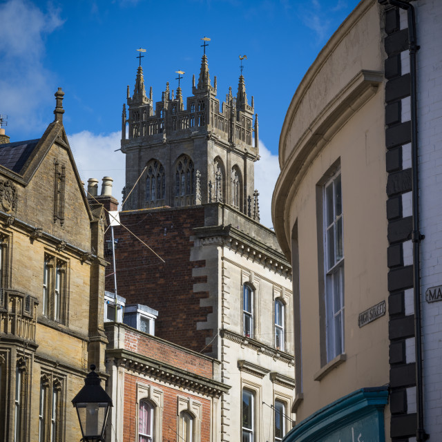 """""""View of Glastonbury town centre in Somerset"""" stock image"""