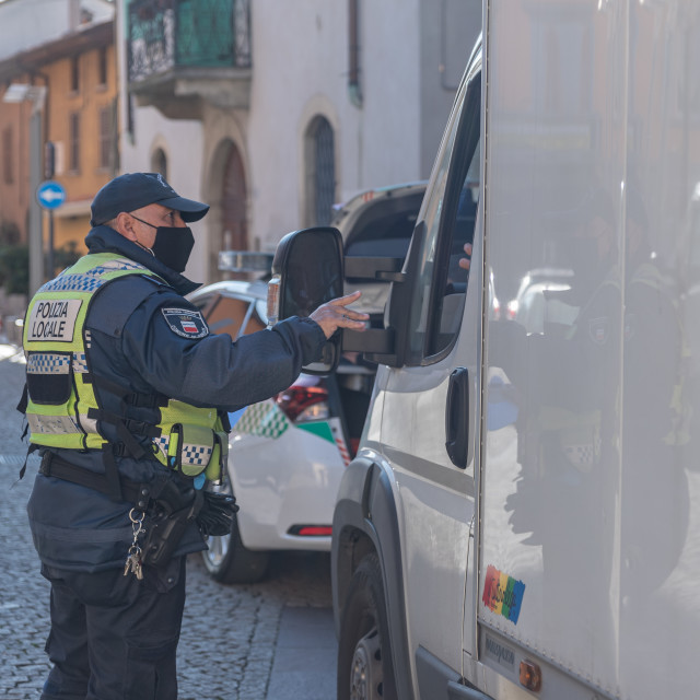 """""""The urban police of the municipality of Seriate carry out anti-c"""" stock image"""
