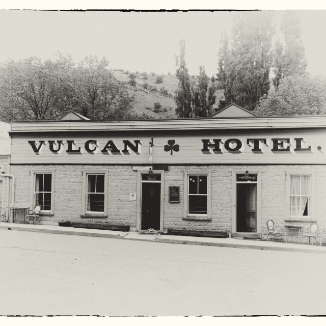 """The Vulcan Hotel, St Bathans, Central Otago, New Zealand"" stock image"