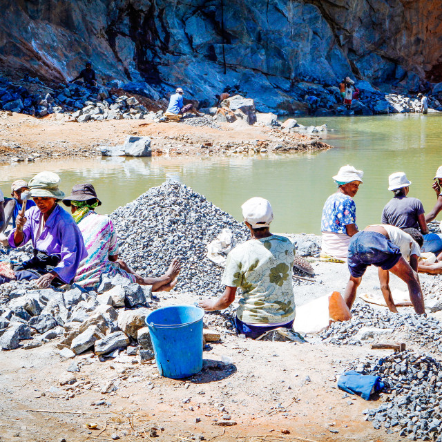 """Schufterei im Steinbruch - Backbreaking work in the quarry"" stock image"