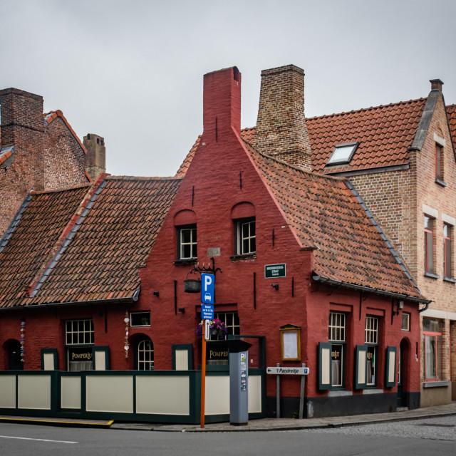 """""""Old inn, Minderbroedersstr., Brugge"""" stock image"""