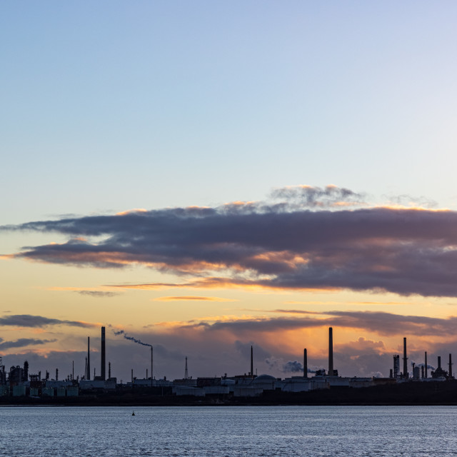 """""""Sunset behind the Fawley oil refinery"""" stock image"""