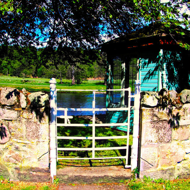 """""""Sunhouse By The Spey"""" stock image"""