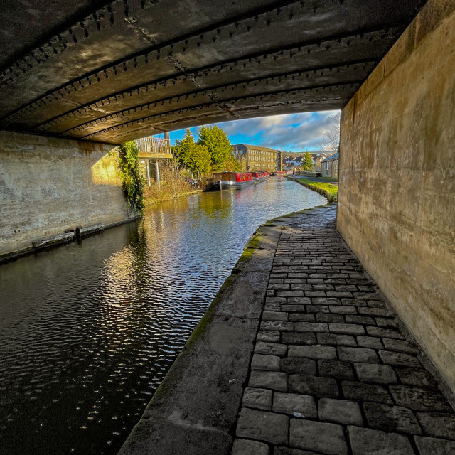 """""""Leeds and Liverpool Canal, Under Bridge no. 191A at Silsden (Cobbydale)"""" stock image"""