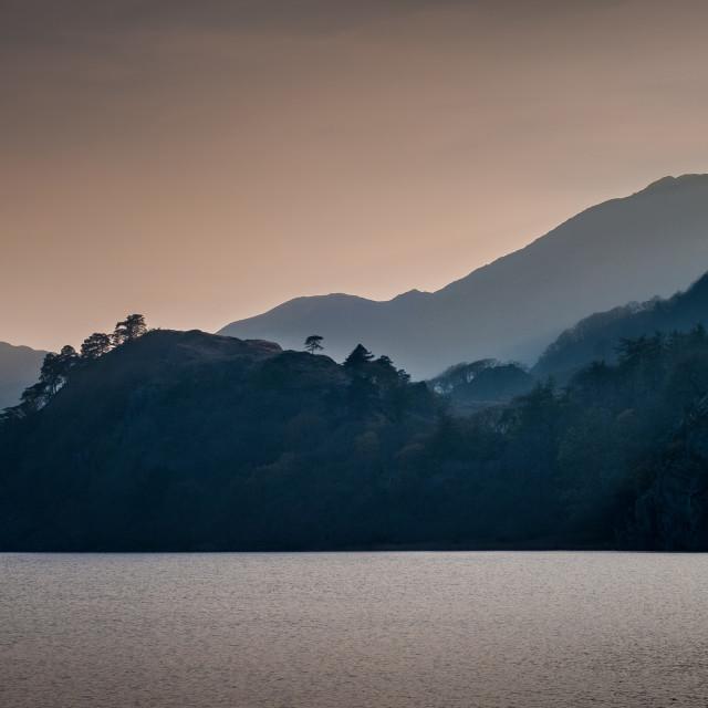"""""""Llyn Gwynant lake at the foot of Mount Snowdon, Snowdonia, Wales"""" stock image"""