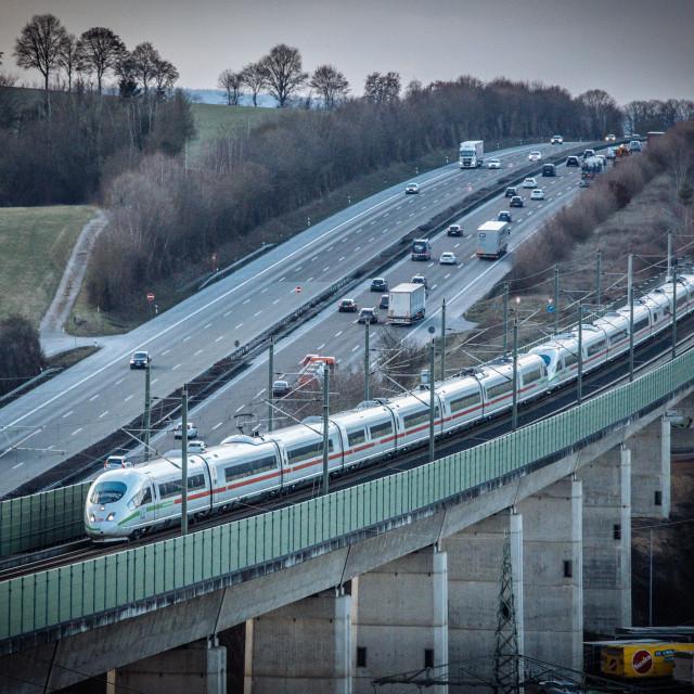 """""""Intercity der DB vor Autobahn A3"""" stock image"""