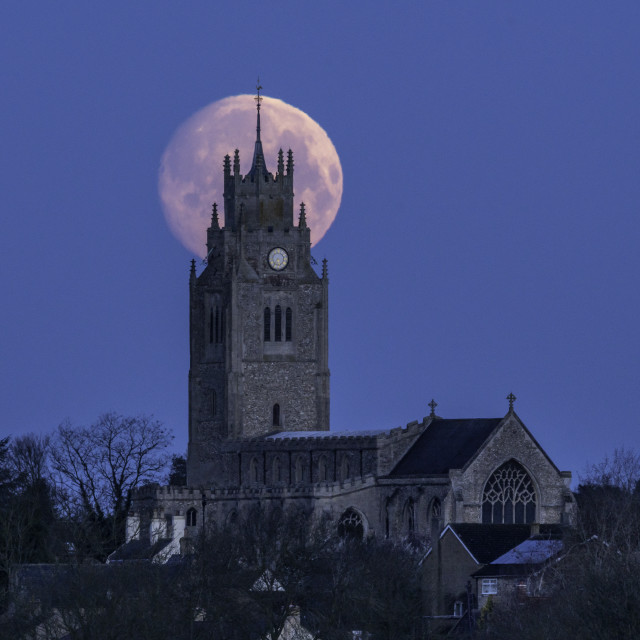 """""""Moonset behind St Andrew's Church, Sutton-in-the-Isle, Cambridgeshire"""" stock image"""