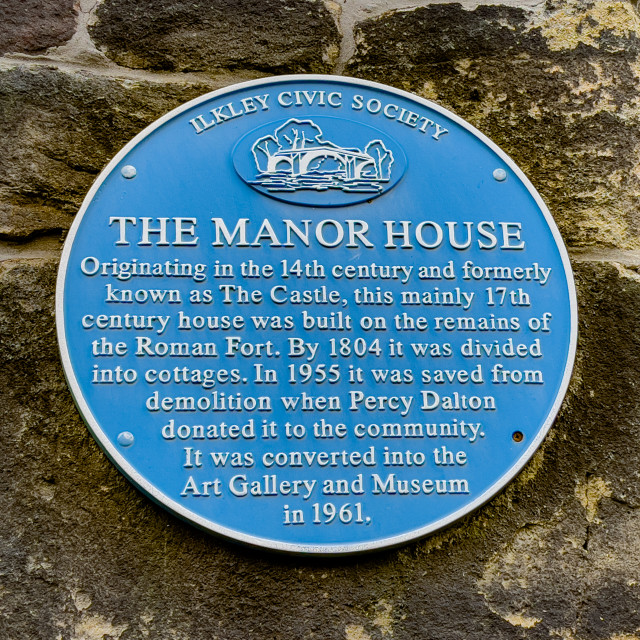 """Blue Plaque, Ilkley Manor House, Ilkley, Yorkshire, England."" stock image"